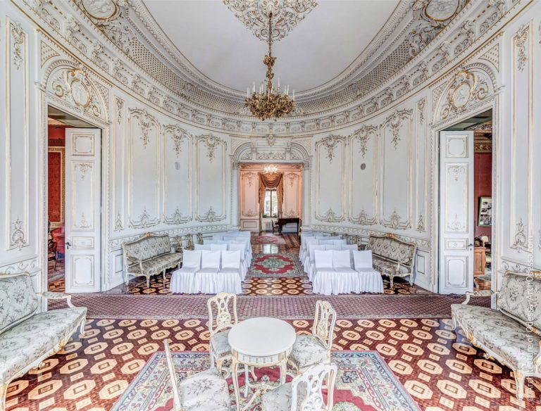 Tolstoy Palace White Hall