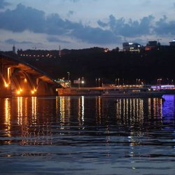 Foto #5 Bridge Metro_in_Kiev_at_night