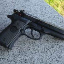 Shooting Gun Range Kiev Ukraine Beretta 92 FS